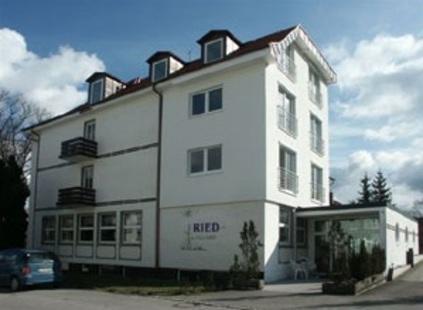 Alten- und Pflegeheim Ried Dreher Günter